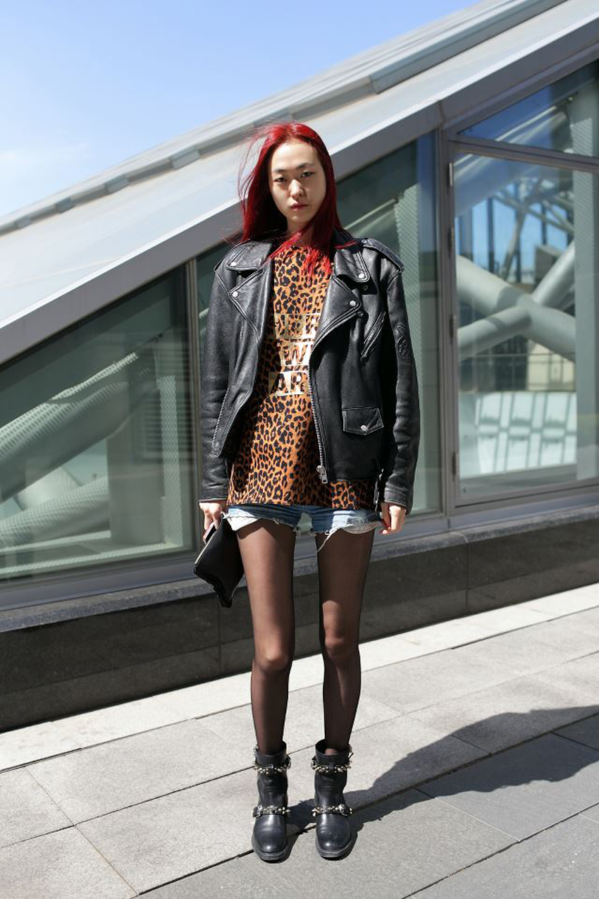 Very Inspired By The Seoul Fashion Week Backstage And Street Style