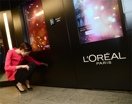 L'Oreal Subway Vending Machines