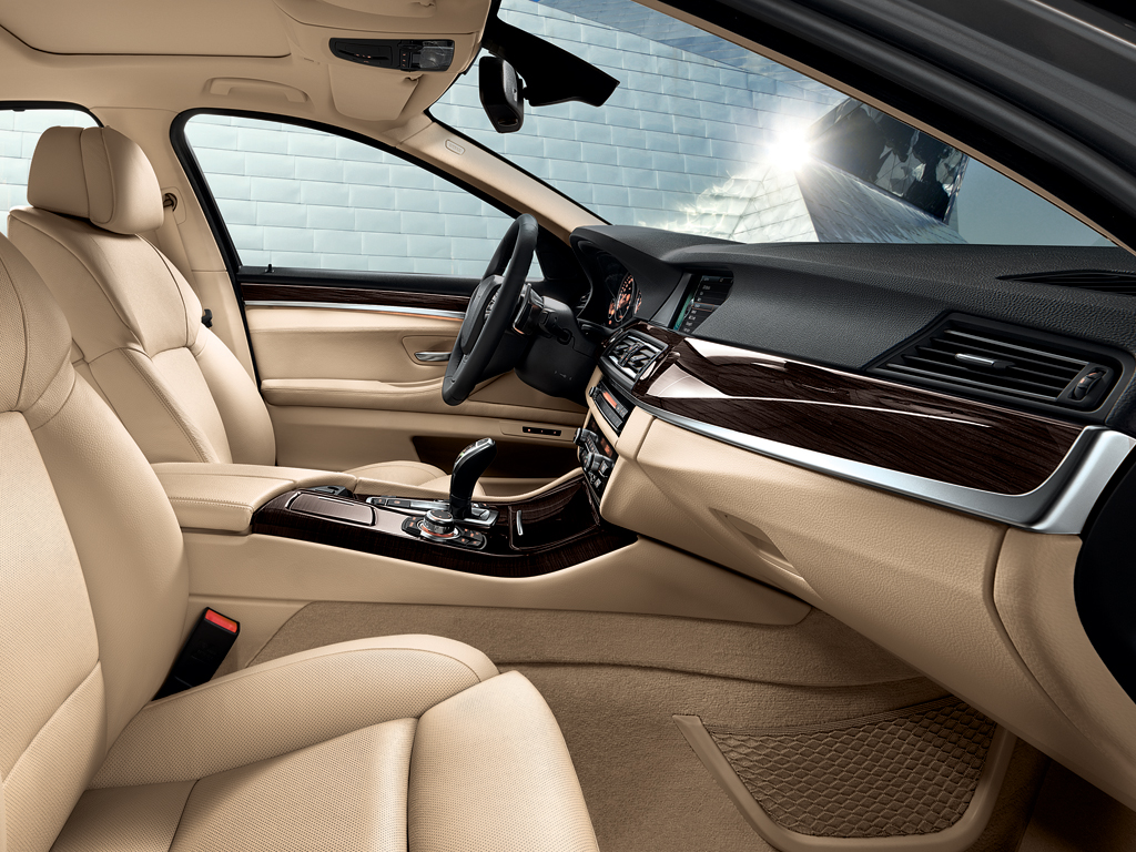 how to wear a bmw 5 series cars life cars fashion lifestyle blog. Black Bedroom Furniture Sets. Home Design Ideas