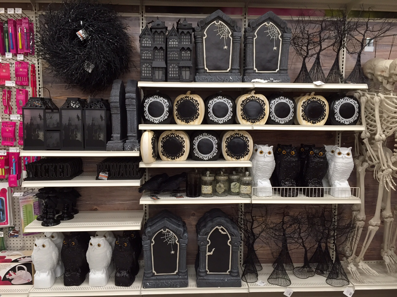 2015 halloween at michaels 2 - Michaels Halloween Decorations