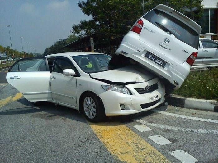Tips Penting Apabila Terlibat Dalam Kemalangan Jalan Raya
