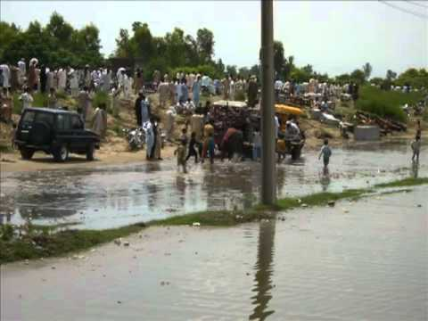 essay flood in pakistan 2010 An essay of the impact of natural disaster prime minister gilani declaring the 2010 flood as the worst flood in pakistan's 63 year history and thus appealed.