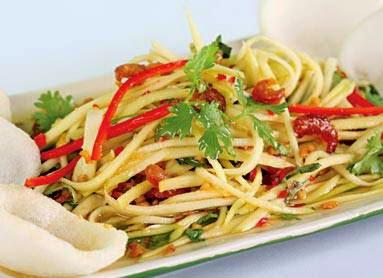 (Gỏi xoài xanh tôm khô) - Green mango salad with sun dried shrimp