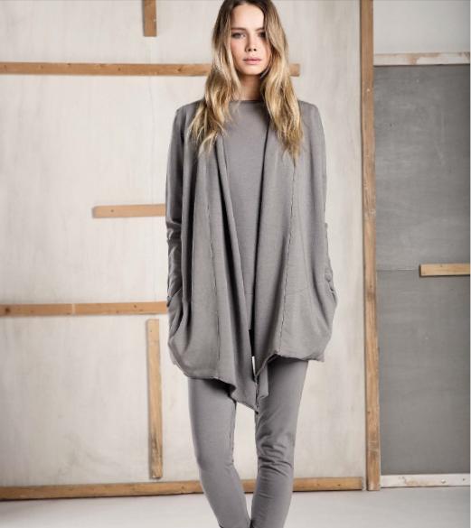 Caterina D. è Una Collezione Di Abbigliamento Da Casa Ed Esternabile.