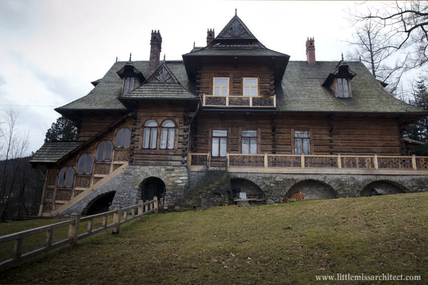House under the Firs wooden architecture