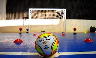 Análise tática no futsal: estudo comparativo do desempenho de jogadores de quatro categorias de formação