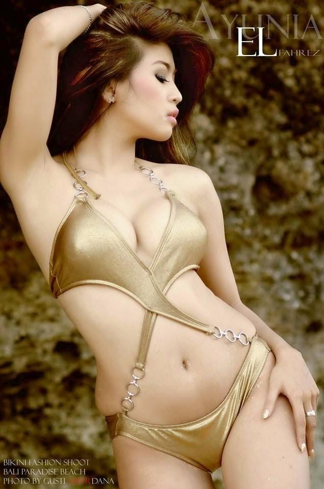 Ayunia Elfahrez On Sexy Bikini
