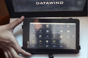 Aakash worlds cheapest Tablet PC from Datawind