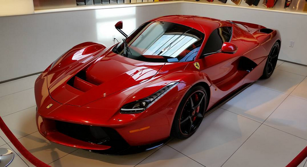 has lewis hamilton chosen red roof for his laferrari. Black Bedroom Furniture Sets. Home Design Ideas