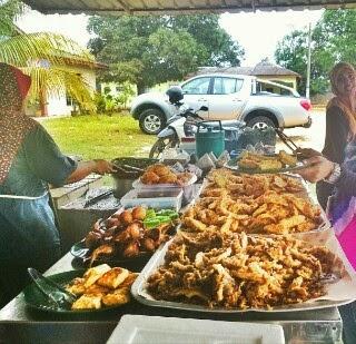 Makan-Makan : Warung Usop Sonto, Jalan Kempas Lama, Kg. Sinaran Kempas, Johor