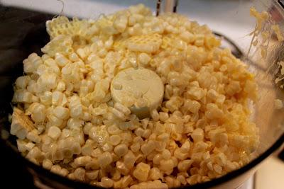 Fresh sweet corn kernels