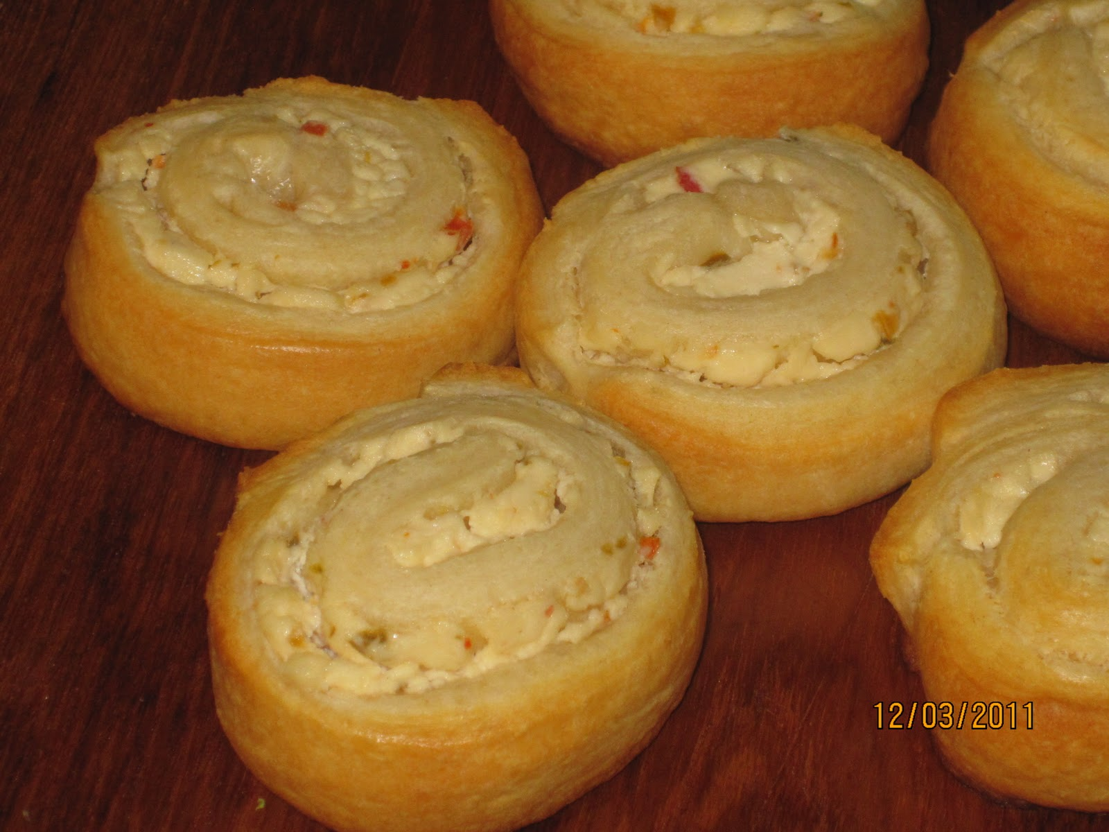 Cream Cheese Filled Crescent Pinwheels... - Walking on Sunshine