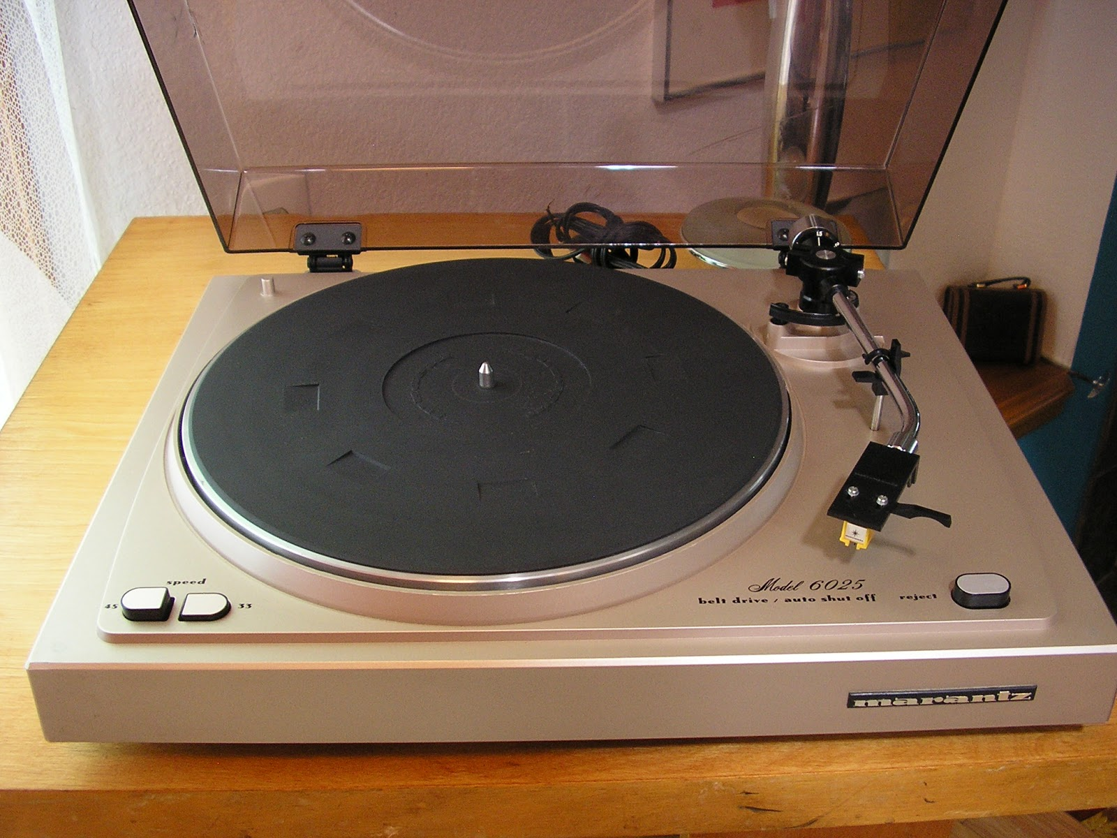 marantz 6025 turntable. Black Bedroom Furniture Sets. Home Design Ideas