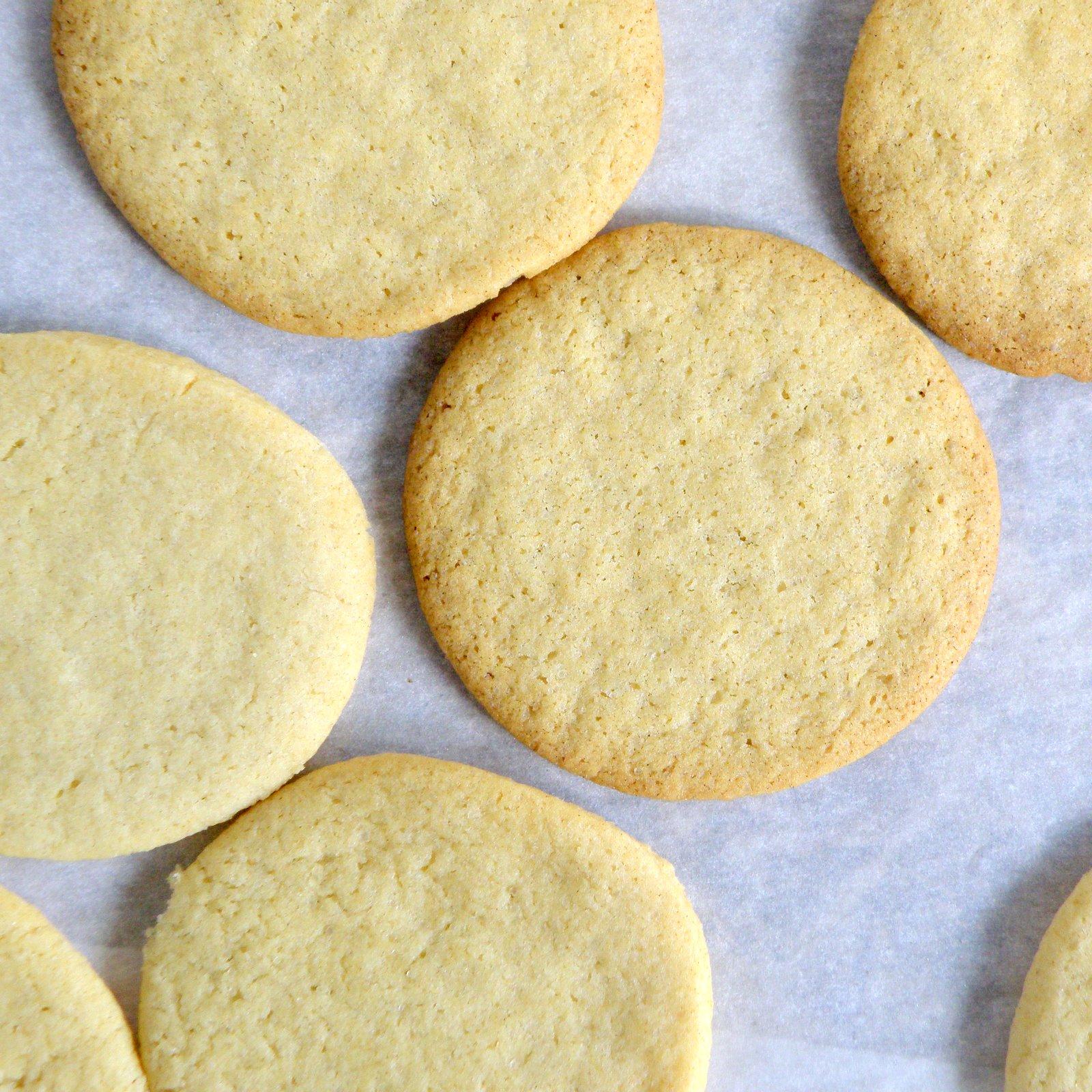 deli-cute-essen: Vegan Sugar Cookie Ice Cream Sandwiches