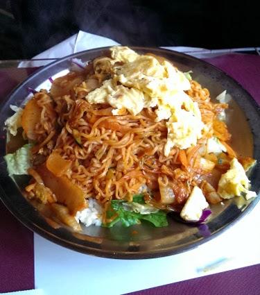 Cameo Cafe kimchi ramen saute