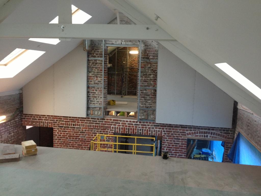 La pose du plancher de l 39 tage - Renovation grange loft ...