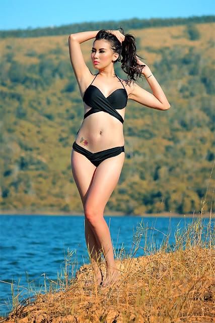 Model IGO Toge: Nadia Ervina atau Bibie Julius (Update 15 Foto)