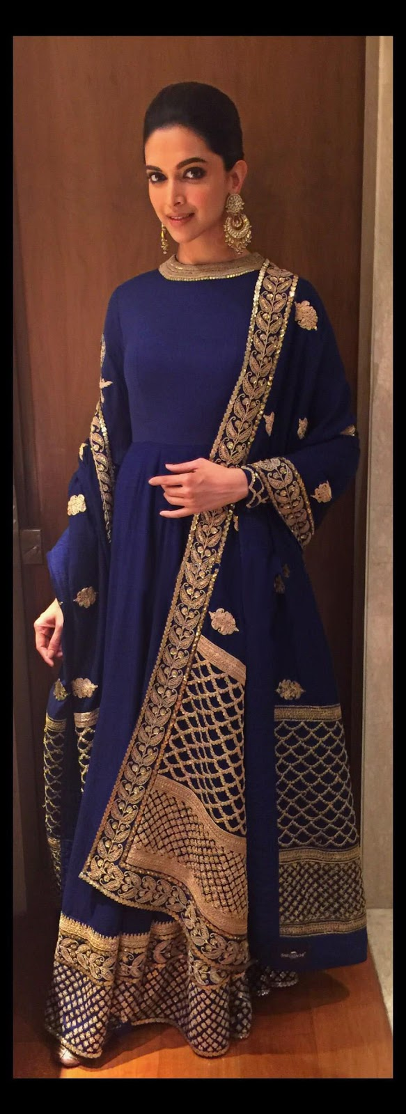 Deepika Padukone in Blue High Neck Anarkali Dress at Telegraph Dinner in Kolkata