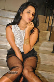 Actress-Ishika-Singh-Stills-at-Hrudaya-Kaleyam-Movie-Trailer-Launch