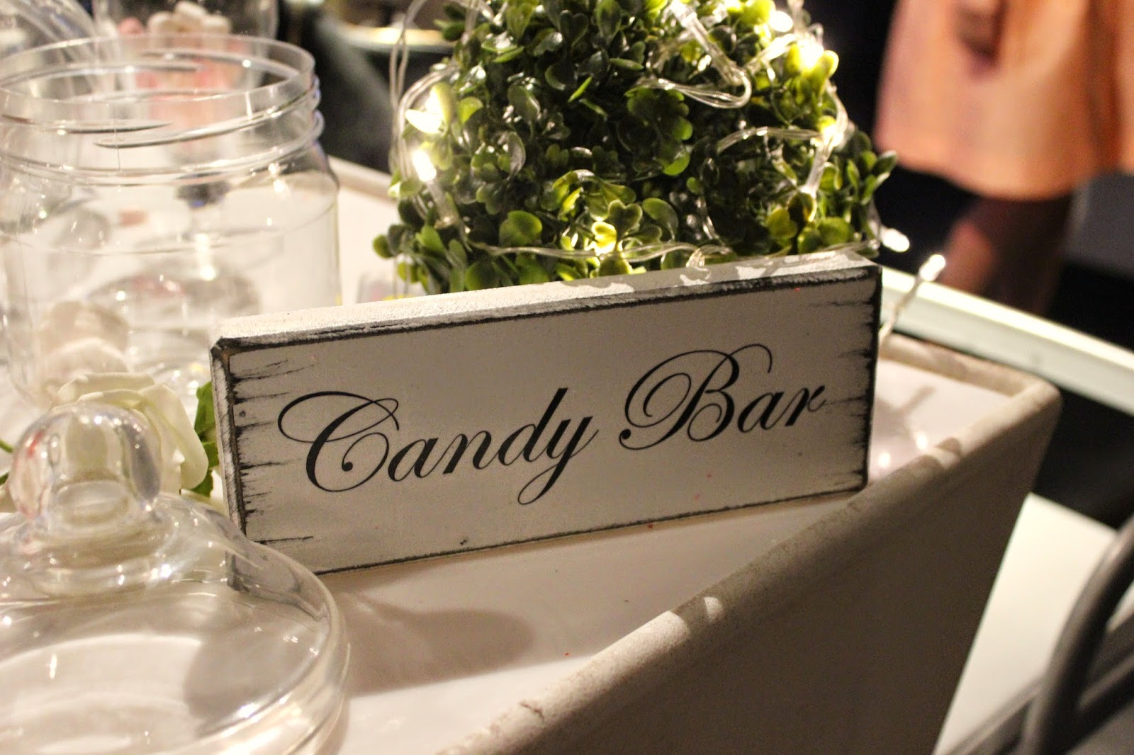 bloggers-love-fashion-week-candy-bar-sweets