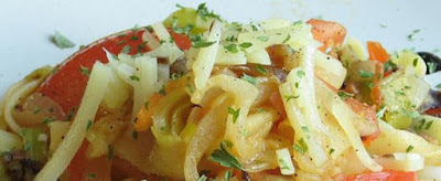mise en bouche, antipasti, courgettes, citron, tomates séchées, fromage de brebis