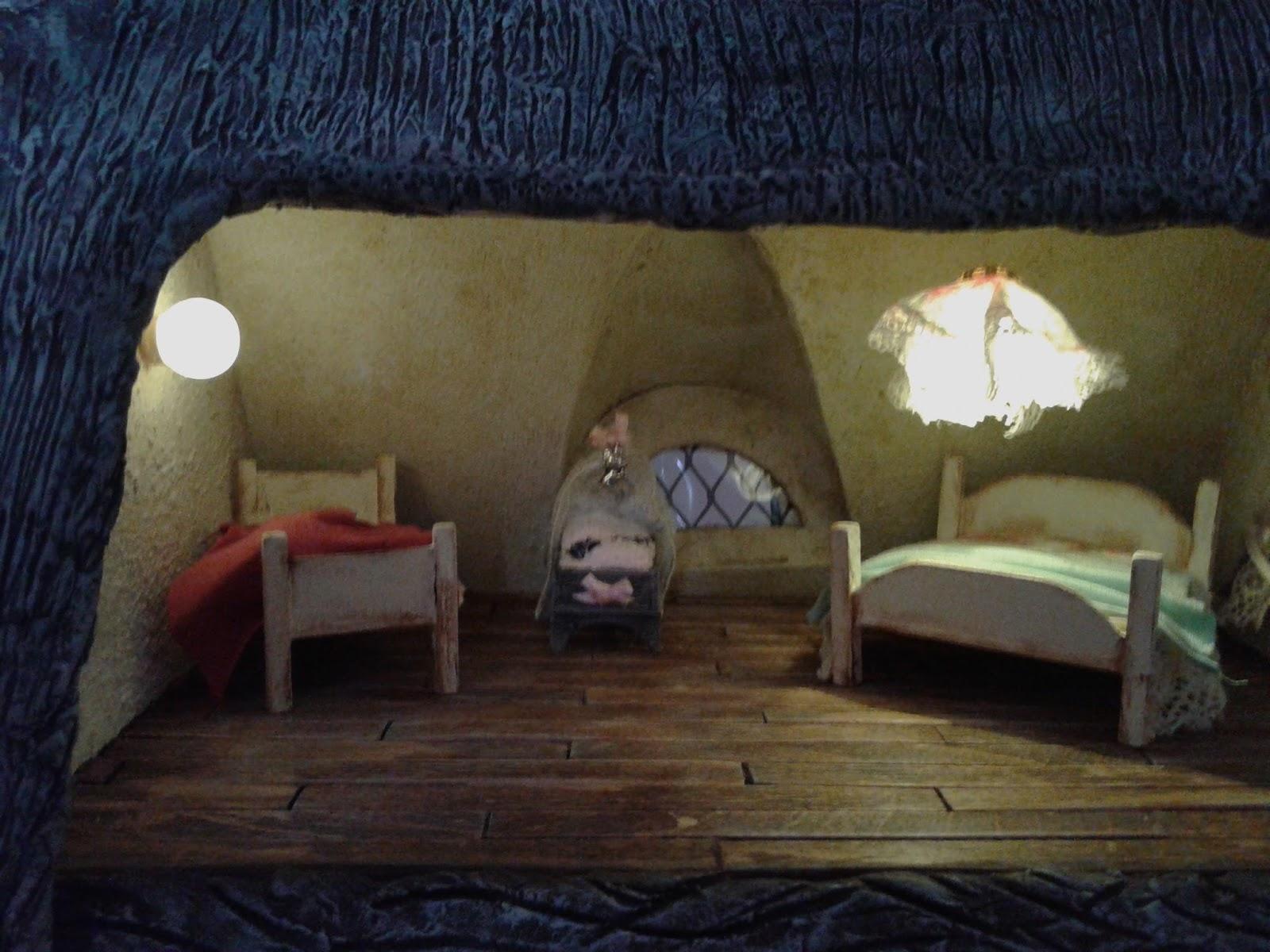 Gerda\'s Poppenhuizen: de slaapkamer voor de muizen