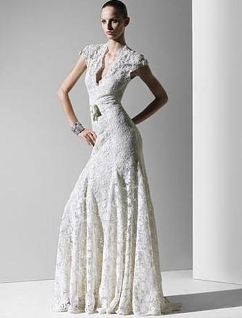 monique lhuillier wedding dresses with lace