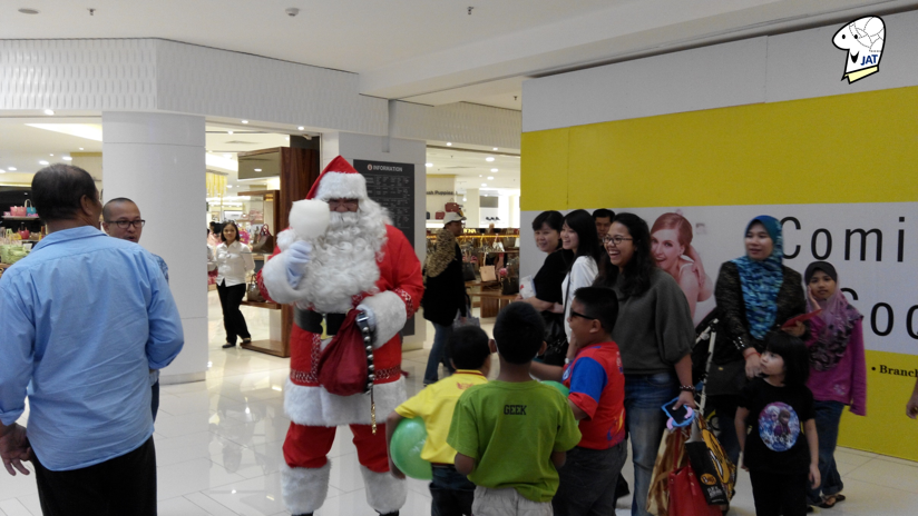 Quill City Mall, Santa Clause Meet and Greet 2.