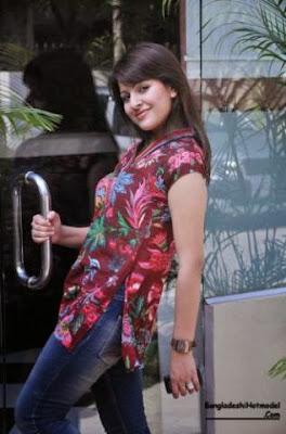 Bangladeshi+Model+Actress+Tinni+hot+Photos,+Picture+Gallery,+Wallpaper003