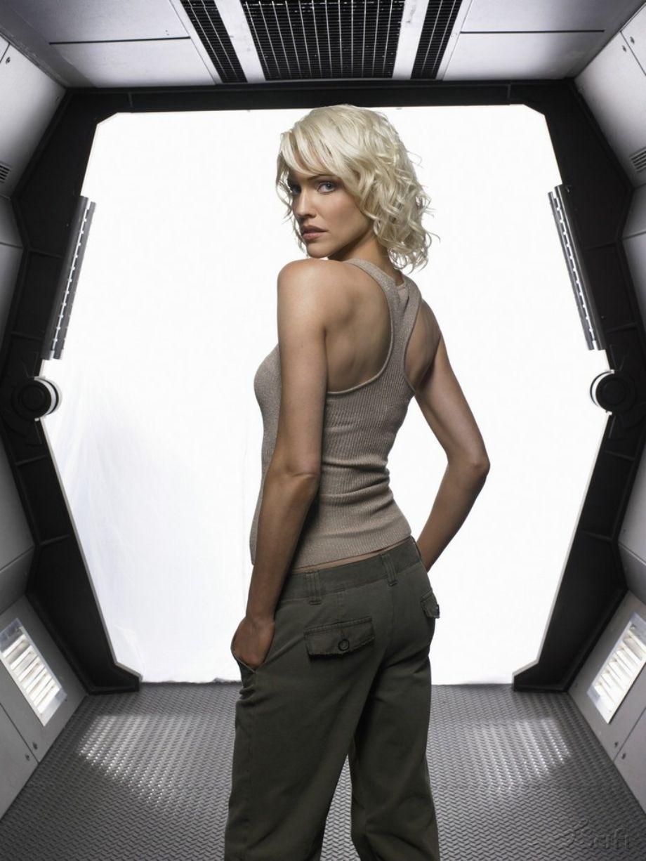 HOT NAKED GIRLS: Sexy Tricia Helfer from Battlestar Galactica