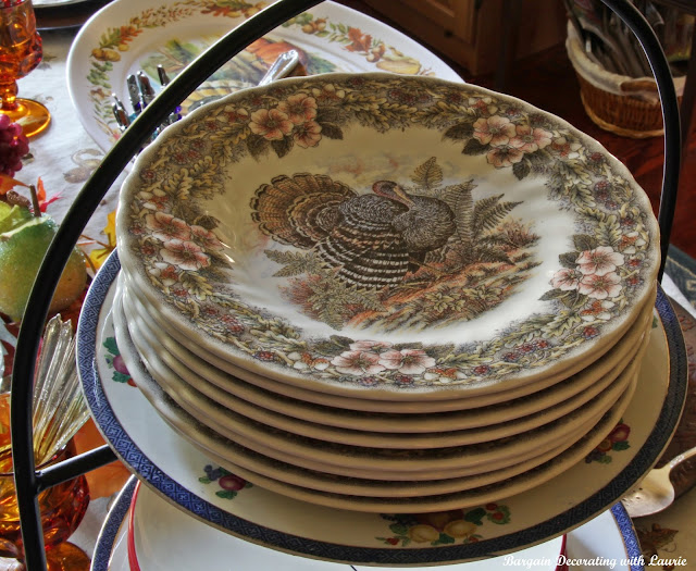 Thanksgiving Dessert Buffet-Bargain Decorating with Laurie