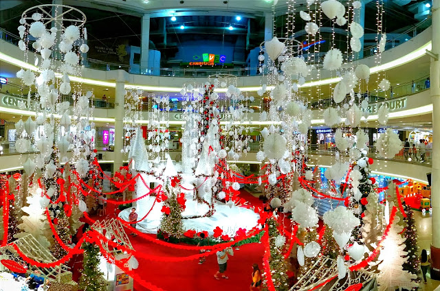 during christmas everywhere round malaysia and even other countries will bring you with the merry merry happy themes to welcome the christmas