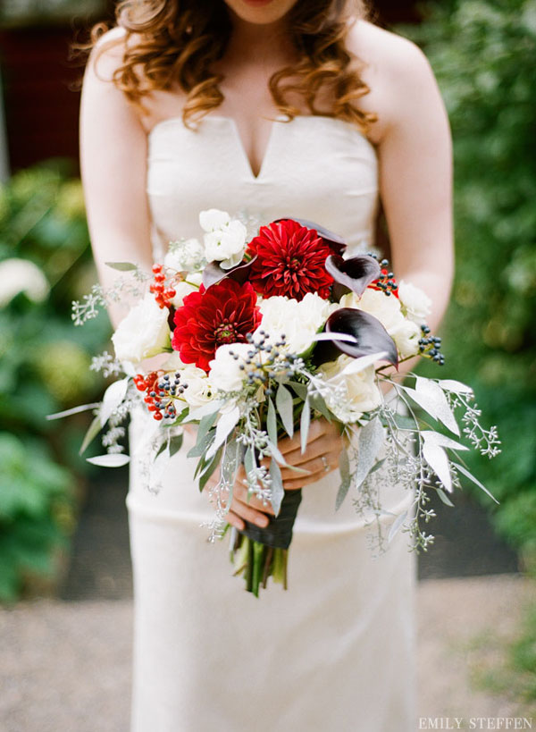 #Bouquet photographed by Emily Steffen Photography // featured on www.lemagnifiqueblog.com