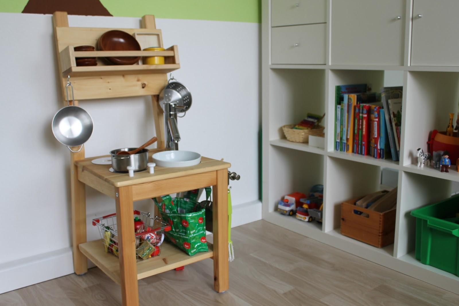 vom wiesengrund kinderk che selbst gebaut. Black Bedroom Furniture Sets. Home Design Ideas