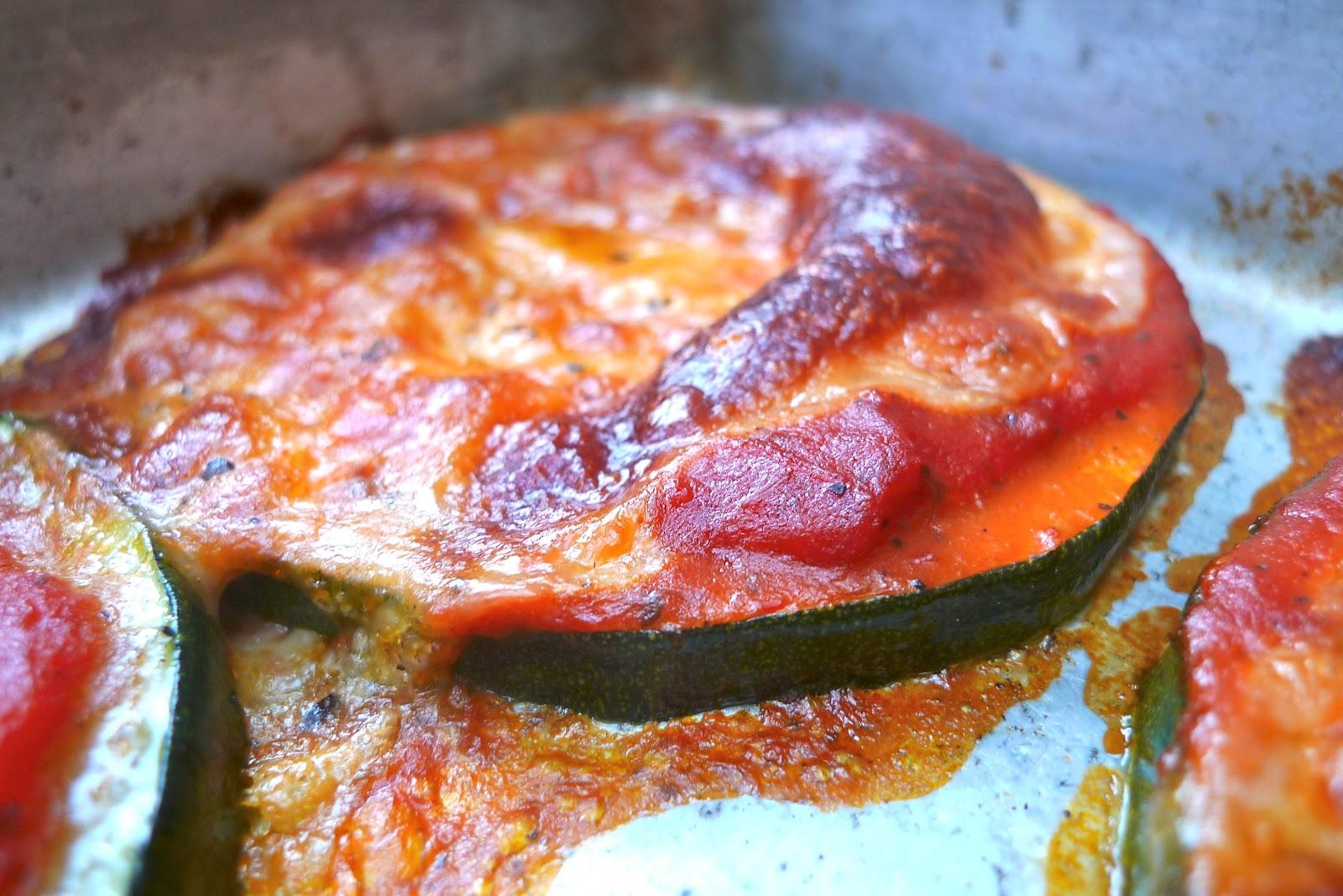 siriously delicious: Zucchini Pizzas