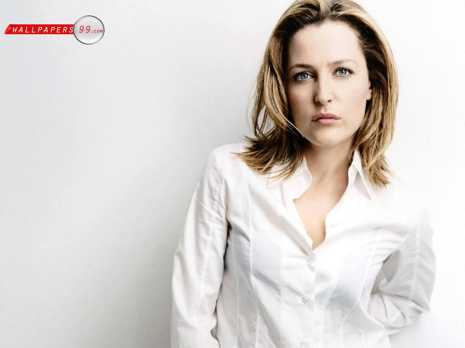 Download this Gillian Anderson Wallpaper picture