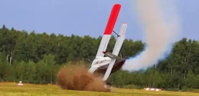 Τραγωδία στη Μόσχα: Συντριβή αεροσκάφους σε αεροπορική επίδειξη - Δύο νεκροί (Βίντεο)