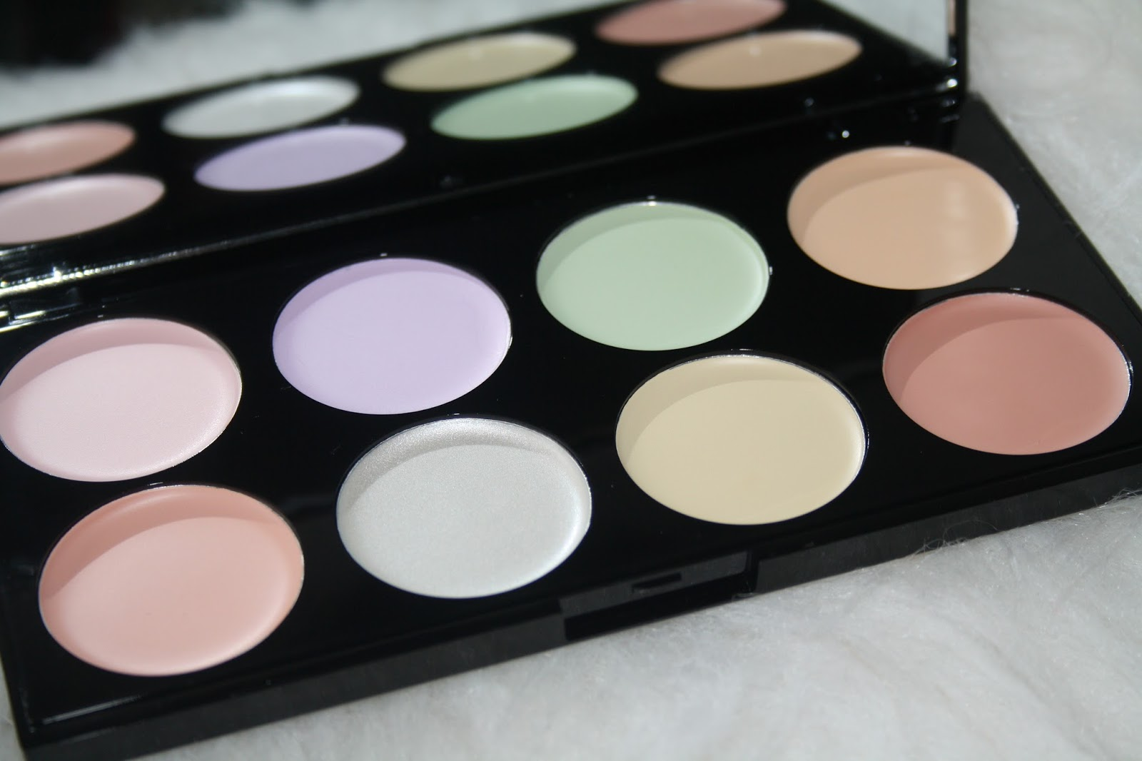Salmon Colored Concealer 25 Beautiful Under Eye Color Corrector Ideas On Pinterest