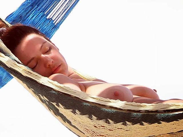 Fotos De Kelly Brook Desnuda En La Playa Filmvz Portal
