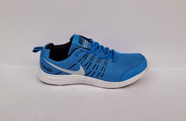 sepatu nike warna biru, sepatu senam, sepatu nike aerobik, nike warna biru