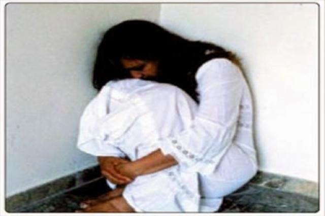 ام بريطانية تجبر ابنتها عى اقامة علاقة غير شرعية مع 1800 رجل قبل بلوغها 18 عام