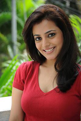 South Indain Actress Nisha Agarwal Beautiful Photos