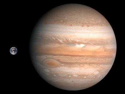 Comparación a escala entre la Tierra y Júpiter