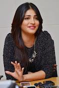Shruti Haasan Glam pics-thumbnail-47