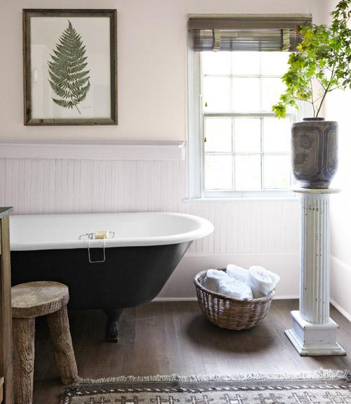 A life 39 s design natural antebellum for Country living bathroom designs