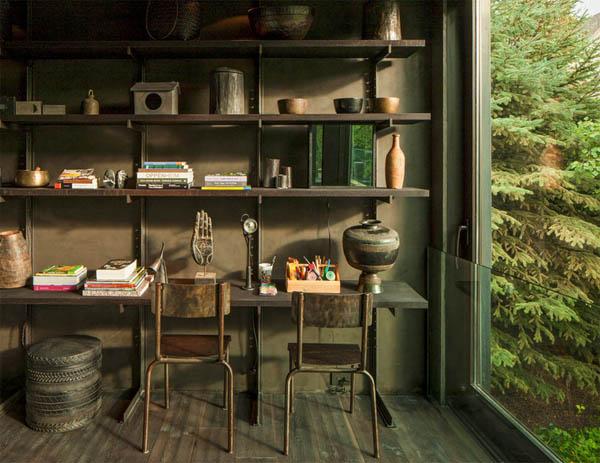 biblioteca y escritorio y sillas industriales SXIX