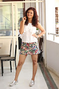 Seerat Kapoor New glam stills-thumbnail-1