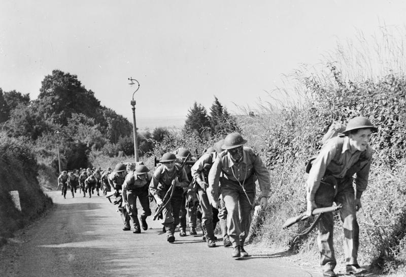 Troops climbing Gillman Lane on pratice assault on Fort Purbrook