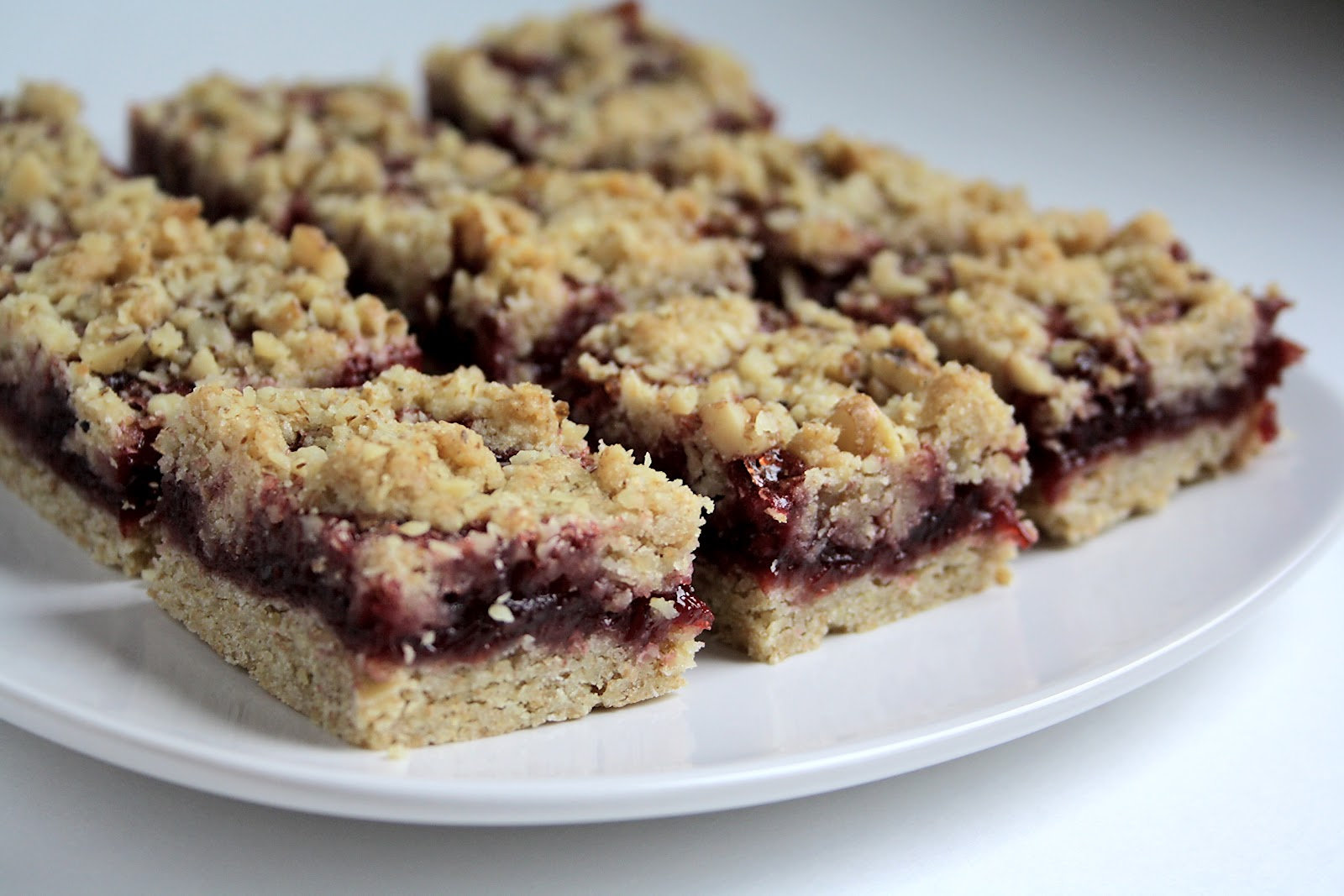 ... : Helping Utah Families Live on Less: Healthified Berry Oatmeal Bars