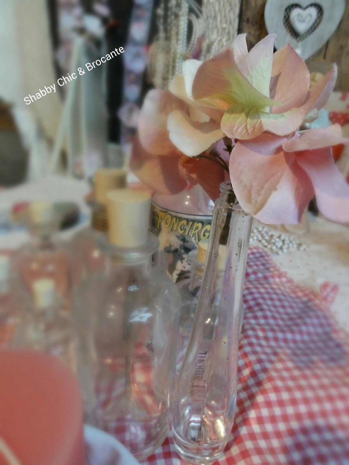 Shabby Chic & Brocante alte antike Flaschen rosa